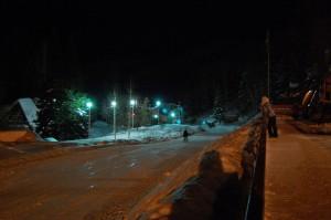 Территория базы во время ночного катания