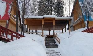 Беседка между Альпийскими домиками